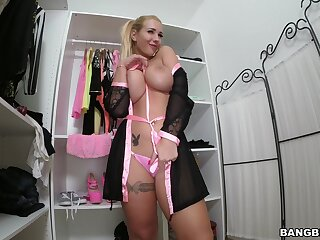Hardcore having it away in the living-room with hot ass Kyra Hot