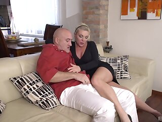 Hardcore fucking between an doyen man and his mature wife Krisztina