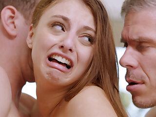 Hot babe wants double penetration sex